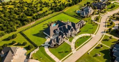 Wealthy estate from overhead